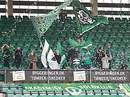 FODBOLD: Fans fra AB under kampen i NordicBet Ligaen mellem AB og FC Helsingør den 11. maj 2017 på Helsingør Stadion. Foto: Claus Birch