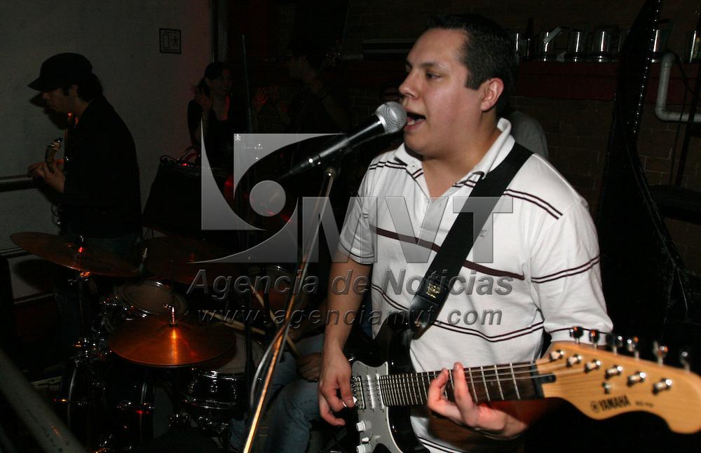 Toluca, Mex.- El grupo Occido se presento en el antro Masha, aqui en la ciudad de Toluca. Agencia MVT / Javier Rodriguez. (DIGITAL)<br /> <br /> <br /> <br /> <br /> <br /> <br /> <br /> NO ARCHIVAR - NO ARCHIVE