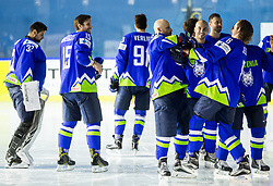 Jan Mursak of Slovenia playing with Ziga Jeglic of Slovenia before Official photo session of Team Slovenia at the 2017 IIHF Men's World Championship, on May 11, 2017 in AccorHotels Arena in Paris, France. Photo by Vid Ponikvar / Sportida