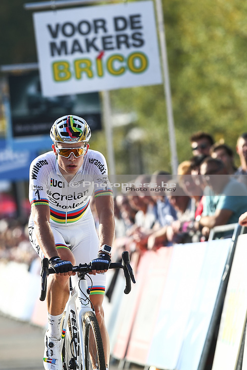 BELGIUM / KRUIBEKE / CYCLING / CYCLOCROSS / VELDRIJDEN / VELDRIT / BRICO CROSS #3 / POLDERSCROSS / MEN ELITE / AANKOMST / FINISH / WOUT VAN AERT (BEL - CRELAN - CHARLES) /