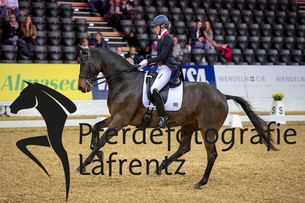 BUTLER Lara (GBR), Kristjan<br /> Oldenburg - AGRAVIS-Cup 2018<br /> Grand Prix de Dressage<br /> 02. November 2018<br /> © www.sportfotos-lafrentz.de/Stefan Lafrentz