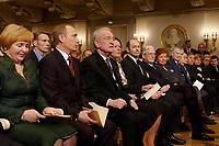 09 FEB 2003, BERLIN/GERMANY:<br /> Johannes Rau (3.v.L.), Bundespraesident, und Ehefrau Christina Rau (4.v.L.), sowie Wladimir Putin (2.v.L.), Praesident Russische Foerderation, und Ehefrau Ludmila Putina (L), waehrend der Eroeffnung der Deutsch-Russischen Kulturbegegnungen, Konzerthaus am Gendarmenmarkt<br /> IMAGE: 20030209-01-017<br /> KEYWORDS: Bundespräsident, Präsident, Gattin, Politikerfrau, Russische Förderation, Russland