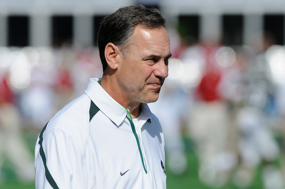 January 1, 2011: Head coach Mark Dantonio of the Michigan State Spartans in action before the NCAA football game between MSU and the Alabama Crimson Tide at the 2011 Capital One Bowl in Orlando, Florida. Alabama led Michigan State 28-0 at the half.