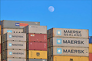 Nederland, the Netherlands, 3-3-2015Containers op een schip in de haven van Rotterdam. Maan.Freightcontainers on a ship in the port, harbour, of rotterdam. Moon.FOTO: FLIP FRANSSEN/ HH