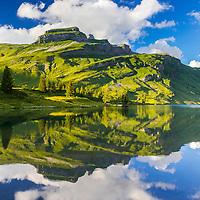 &copy; Thomas Heitmar / www.thomasheitmar.com<br /> <br /> Rights: All images copyright &copy; Thomas Heitmar. All rights reserved. Do not reproduce in whole or in part without prior written permission.<br /> <br /> ---------------------------------<br /> <br /> Engstlensee im letzten Abendlicht.<br /> Der Engstlensee ist ein nat&uuml;rlicher Stausee auf der Engstlenalp im Kanton Bern in der Schweiz. H&ouml;he &uuml;ber dem Meeresspiegel: 1'851m, Fl&auml;che: 44 ha