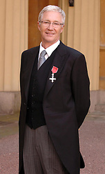 16/10/08, Paul O'Grady collects his MBE at Buckingham Palace in London, Ref: B68_122408_0010, Date: 16.10.2008, COMPULSORY CREDIT: UPPA/Photoshot. EXPA Pictures © 2015, PhotoCredit: EXPA/ Photoshot/ Jeff Spicer<br /> <br /> *****ATTENTION - for AUT, SLO, CRO, SRB, BIH, MAZ only*****