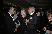 David Furnish, Daphne guinness and giancarlo Giacometti, Valentino couture show, Ecole Nationale Superiore des Beaux -Arts, rue Bonaparte. After party at the Ritz. 23 January  2006.  ONE TIME USE ONLY - DO NOT ARCHIVE  © Copyright Photograph by Dafydd Jones 66 Stockwell Park Rd. London SW9 0DA Tel 020 7733 0108 www.dafjones.com