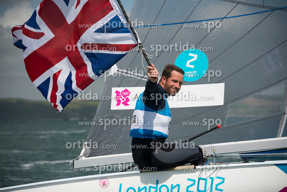 05.08.2012, Bucht von Weymouth, GBR, Olympia 2012, Segeln, im Bild Finn Medal Race.Ainslie Ben, (GBR, Finn) gold medal winner // during Sailing, at the 2012 Summer Olympics at Bay of Weymouth, United Kingdom on 2012/08/05. EXPA Pictures © 2012, PhotoCredit: EXPA/ Juerg Kaufmann ***** ATTENTION for AUT, CRO, GER, FIN, NOR, NED, POL, SLO and SWE ONLY!