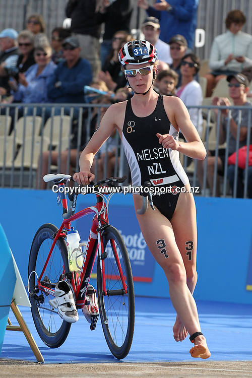 Mikayla Nielsen of New Zealand in transition in the Elite Women's Series race in the Barfoot & Thompson ITU World Triathlon, April 6, 2013 in Auckland. Photo: Fiona Goodall/Photosport