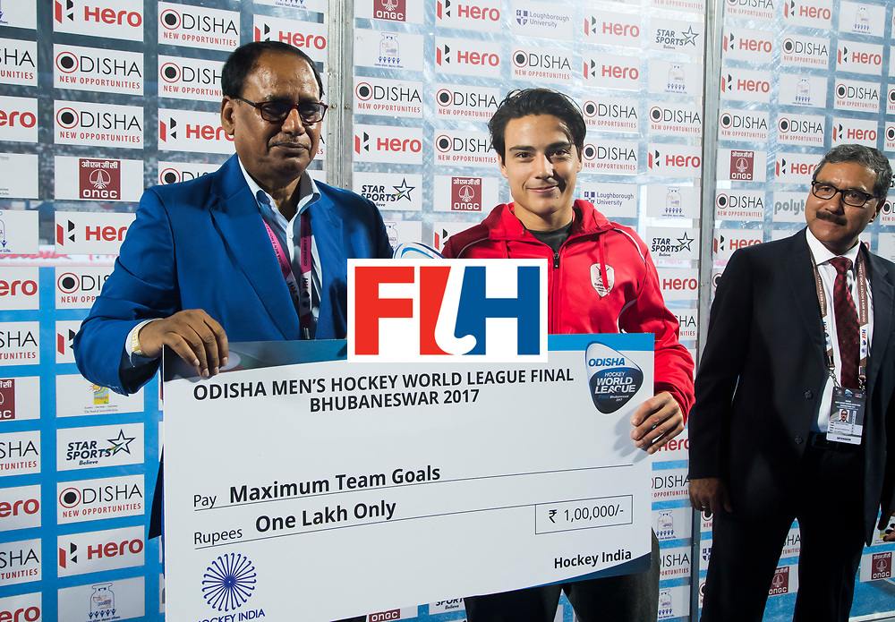 BHUBANESWAR - Hockey World League finals Match for bronze , Germany v India (1-2). Thomas Briels (Bel)  COPYRIGHT KOEN SUYK