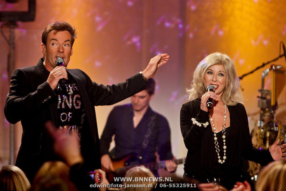 NLD/Hilversum/20101216 - Uitreiking Sterren.nl Awards, optreden Gerard Joling en Bonnie St. Claire