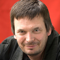 EDINBURGH, SCOTLAND - AUGUST13. Author Ian Rankin poses during a portrait session held at Edinburgh Book Festival on August 13 2006  in Edinburgh, Scotland. (Photo by Marco Secchi/Getty Images).