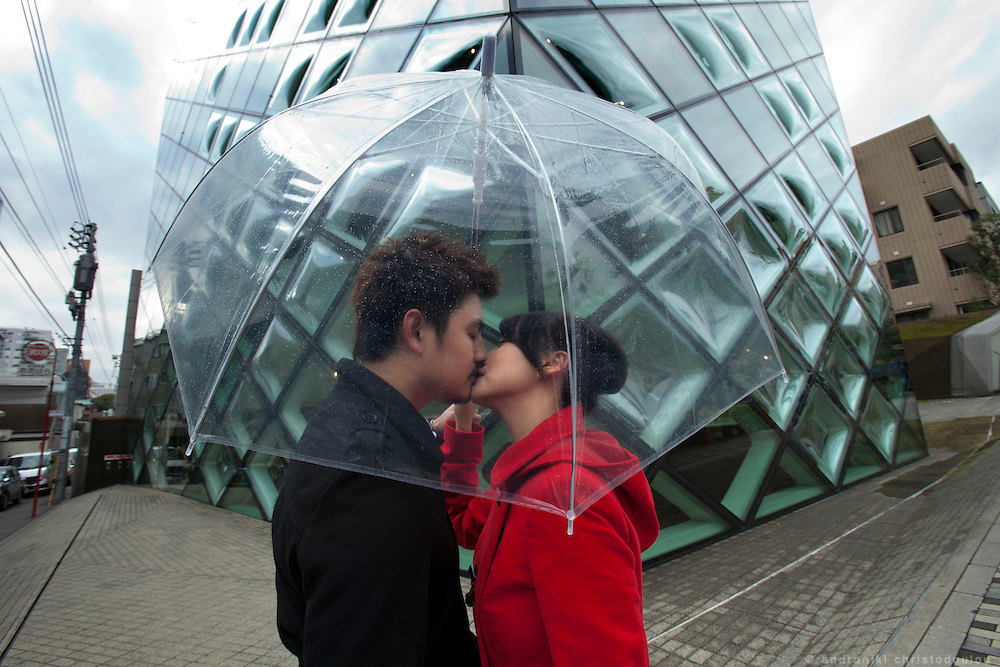 Ben and Winnie in front og the Prada building in Aoyama