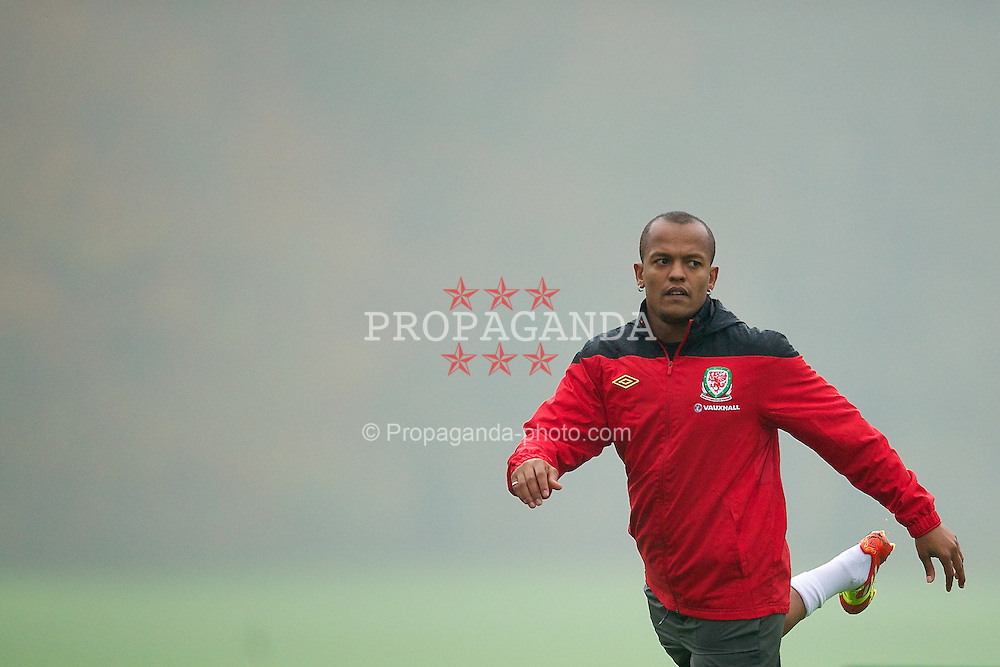 CARDIFF, WALES - Tuesday, November 8, 2011: Wales' Robert Earnshaw during a training session at the Vale of Glamorgan Hotel ahead of the friendly match against Norway. (Pic by David Rawcliffe/Propaganda)