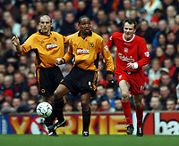 Fotball<br /> Liverpool v Wolves<br /> 29. mars 2004<br /> Foto: Digitalsport<br /> Norway Only<br /> Paul Ince og Alex Rae, Wolves, Dietmar Hamann, Liverpool