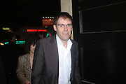 Dexter Dalwood. Art Plus dance fundraising party. Whitechapel gallery. 21 March 2005. ONE TIME USE ONLY - DO NOT ARCHIVE  © Copyright Photograph by Dafydd Jones 66 Stockwell Park Rd. London SW9 0DA Tel 020 7733 0108 www.dafjones.com