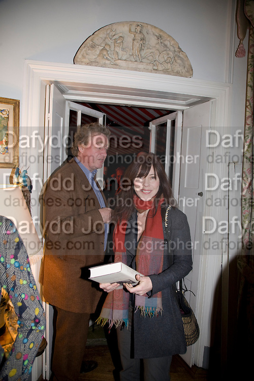 CHRISTOPHER SIMON SYKES; CAMILLA GUINNESS, Book launch for American's in Paris by Charles Glass hosted by Lady Annabel Lindsay. Holland Park. London. 25 March 2009 *** Local Caption *** -DO NOT ARCHIVE-© Copyright Photograph by Dafydd Jones. 248 Clapham Rd. London SW9 0PZ. Tel 0207 820 0771. www.dafjones.com.<br /> CHRISTOPHER SIMON SYKES; CAMILLA GUINNESS, Book launch for American's in Paris by Charles Glass hosted by Lady Annabel Lindsay. Holland Park. London. 25 March 2009
