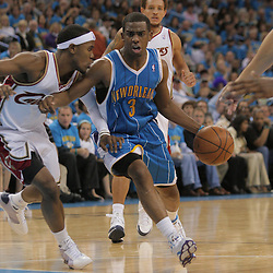 01 November 2008: New Orleans Hornets guard Chris Paul (3) drives past Cleveland Cavaliers guard Mo Williams (2) during a 104-92 win by the New Orleans Hornets over the Cleveland Cavaliers at the New Orleans Arena in New Orleans, LA..