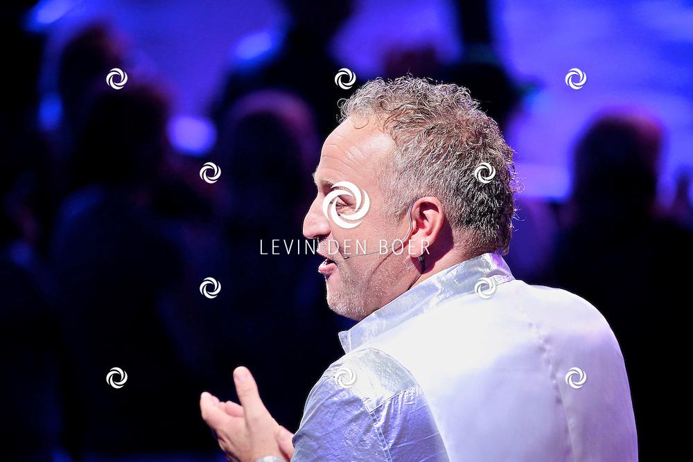 HILVERSUM - In Studio24 is de eerste Live Show van Hollands Got Talent geweest. Met op de  foto jurylid Gordon. FOTO LEVIN DEN BOER - PERSFOTO.NU