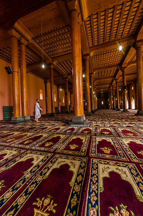 Jama Masjid Mosque, Srinagar, Kashmir, Jammu and Kashmir State, India. The mosque was built in 1394.
