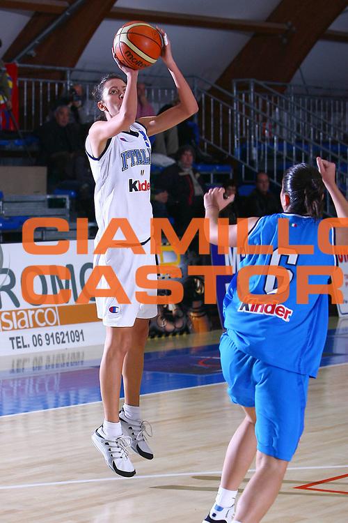DESCRIZIONE : Pomezia Torneo Internazionale Basket Femminile Nazionale Italia Donne Under 20 Nazionale Italia Donne Under 18<br /> GIOCATORE : Visconti<br /> SQUADRA : Italia Under 20<br /> EVENTO :  Pomezia Torneo Internazionale Basket Femminile Nazionale Italia Donne Under 20 Nazionale Italia Donne Under 18<br /> GARA : Italia Under 20 Italia Under 18<br /> DATA : 29/12/2006<br /> CATEGORIA : Tiro<br /> SPORT : Pallacanestro<br /> AUTORE : Agenzia Ciamillo-Castoria/E.Castoria