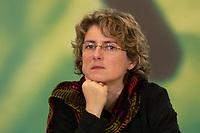 30 NOV 2003, DRESDEN/GERMANY:<br /> Britta Hasselmann, B90/Gruene Landesvorsitzende Nordrhein-Westfalen, 22. Ordentliche Bundesdelegiertenkonferenz Buendnis 90 / Die Gruenen, Messe Dresden<br /> IMAGE: 20031130-01-001<br /> KEYWORDS: Bündnis 90 / Die Grünen, BDK, <br /> Parteitag, party congress, Bundesparteitag, NRW