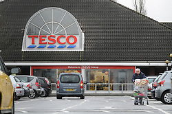 © under license to London News Pictures. 19/04/11. Tesco has reported full year profits buoyed by rapid growth in Asia.Profits before tax of £3.54bn for the year to 26 February 2011 were up 11.3% from the year before. FILE PICTURE DATED 2011.01.07. Shoppers at Tesco Extra store in Orpington. Picture credit should read Grant Falvey/London News Pictures.