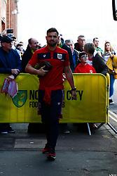 Bailey Wright of Bristol City arrives at Carrow Road - Mandatory by-line: Phil Chaplin/JMP - FOOTBALL - Carrow Road - Norwich, England - Norwich City v Bristol City - Sky Bet Championship