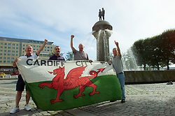 OSLO, NORWAY - Friday, January 23, 2009: Wales supporters from Bridgend soak-up the sun in Oslo ahead of the FIFA World Cup 2002 Qualifying Group 5 match against Norway. (Pic by David Rawcliffe/Propaganda)
