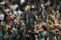 Oct 20, 2007 - Paris, France - Rugby World Cup 2007: Joy of President Thabo Mbeki - Bismarck du Plessis - Percy Montgomery. South Africa beat England 15-6 in the final match to win the Cup.  (Credit Image: © M. Robinot/Fep/Panoramic/ZUMA Press)