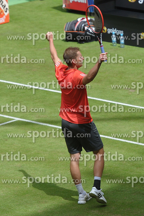 17.06.2015, Gerry Weber Stadion, Halle Westfalen, GER, ATP Tour, Gerry Weber Open 2015, Tag 3, im Bild Florian Mayer (GER) Jubel ueber seinen Viertelfinalerfolg // during day tree of 2015 Gerry Weber Open of ATP world Tour at the Gerry Weber Stadion in Halle Westfalen, Germany on 2015/06/17. EXPA Pictures &copy; 2015, PhotoCredit: EXPA/ Eibner-Pressefoto/ Franz<br /> <br /> *****ATTENTION - OUT of GER*****