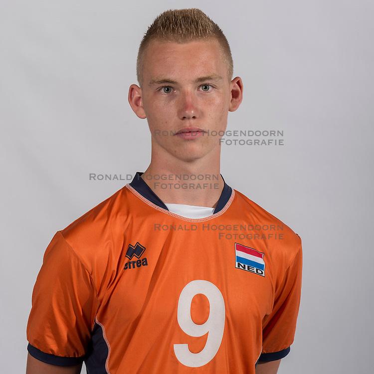07-06-2016 NED: Jeugd Oranje jongens &lt;1999, Arnhem<br /> Photoshoot met de jongens uit jeugd Oranje die na 1 januari 1999 geboren zijn / Rik van Solkema DIA