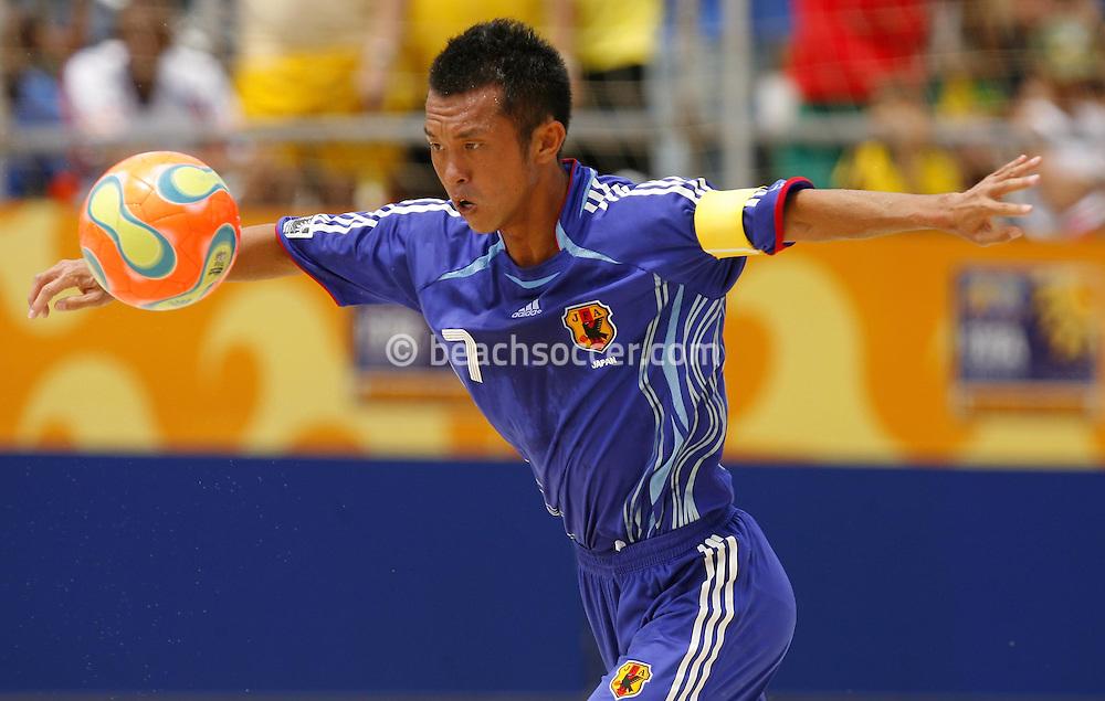 Football-FIFA Beach Soccer World Cup 2006 - Group A- Brazil - Japan, Beachsoccer World Cup 2006. Japan's Kawaharazuko - Rio de Janeiro - Brazil 05/11/2006. Mandatory credit: FIFA/ Manuel Queimadelos