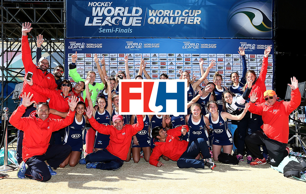 JOHANNESBURG, SOUTH AFRICA - JULY 20:  Chile players and staff pose for a picture after victory during the 9th/10th place playoff match between Poland and Chile at Wits University on July 20, 2017 in Johannesburg, South Africa.  (Photo by Jan Kruger/Getty Images for FIH)
