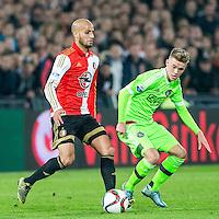 ROTTERDAM - Feyenoord - Ajax , Voetbal , KNVB Beker , Seizoen 2015/2016 , Stadion de Kuip , 25-10-2015 , Speler van Feyenoord Karim El Ahmadi (l) in duel met Ajax speler Daley Sinkgraven (r)
