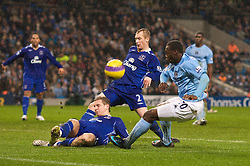 MANCHESTER, ENGLAND - Monday, February 25, 2008: Everton's Tony Hibbert and Philip Jagielka combine to block a shot from Manchester City's Felipe Salvador Caicedo during the Premiership match at the City of Manchester Stadium. (Photo by David Rawcliffe/Propaganda)