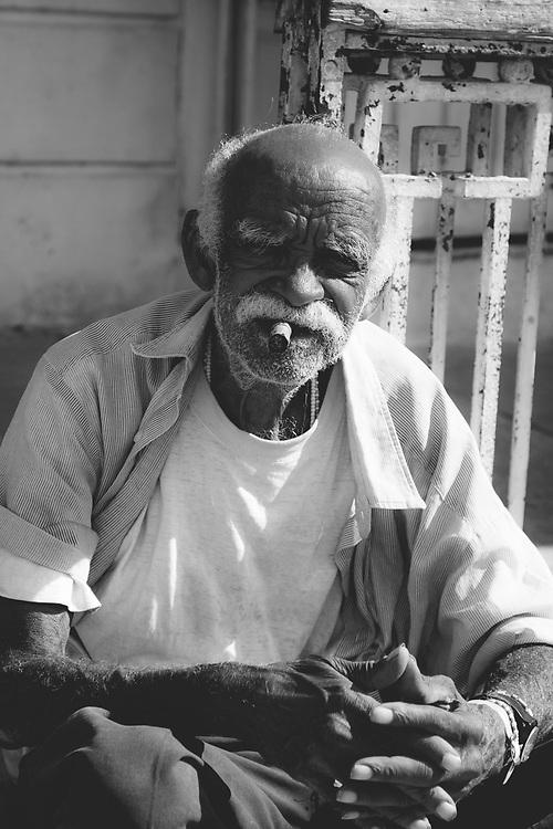 Friendy 81 year old English teacher in Trinidad de Cuba