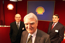 Shell Results, Steve Hodge M.D, Mark Moody-Stuart Chairman, Phil Watts M.D, August 3, 2000. Photo by Andrew Parsons/i-Images.