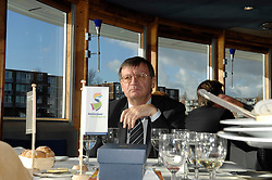 09-12-2006 VOLLEYBAL: CEV OP BEZOEK IN NEDERLAND: ROTTERDAM<br /> De board of Executive Committee CEV waren uitgenodigd door Rotterdam, Rotterdam Topsport en de NeVoBo voor de uitleg van O[peration Restore Confidence / Aleksandar Boricic <br /> ©2006-WWW.FOTOHOOGENDOORN.NL