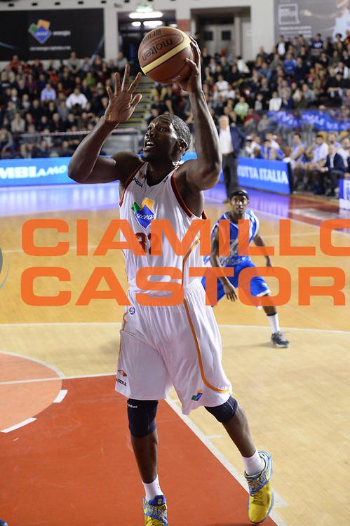 DESCRIZIONE : Roma Lega serie A 2013/14 Acea Virtus Roma Banco Di Sardegna Sassari<br /> GIOCATORE : Trevor Mbakwe<br /> CATEGORIA : tiro<br /> SQUADRA : Acea Virtus Roma<br /> EVENTO : Campionato Lega Serie A 2013-2014<br /> GARA : Acea Virtus Roma Banco Di Sardegna Sassari<br /> DATA : 22/12/2013<br /> SPORT : Pallacanestro<br /> AUTORE : Agenzia Ciamillo-Castoria/ManoloGreco<br /> Galleria : Lega Seria A 2013-2014<br /> Fotonotizia : Roma Lega serie A 2013/14 Acea Virtus Roma Banco Di Sardegna Sassari<br /> Predefinita :