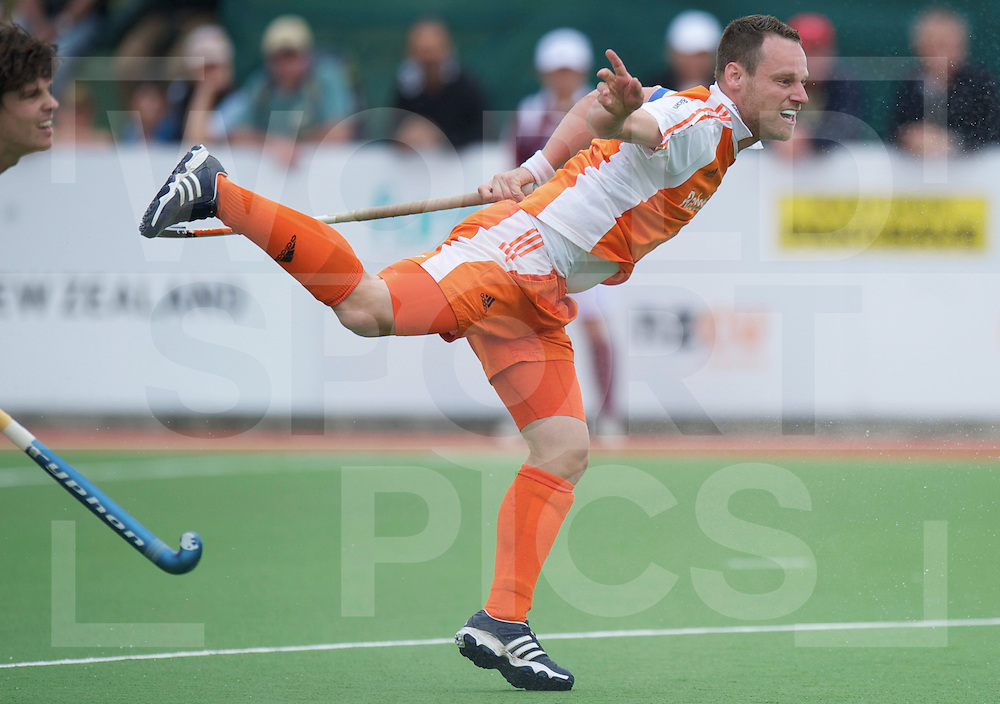AUCKLAND - Champions Trophy men.Netherlands v Korea.foto: Penaltycorner Taeke Taekema met Wouter Jolie links in beeld..FFU Press Agency  COPYRIGHT FRANK UIJLENBROEK..