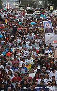 Grupos avenís pertenecientes a la arquidiosis de San Salvador, comunidades religiosas marchan Saturday March 23, 2019 en San Salvador, El Savador para conmemorar el treinta y nueve aniversario del asesinato de Monseñor Oscar Arnulfo Romero. El asesinato de Romero es uno de los casos que sus actores materiales e intelectuales no fueron juzgados por la ley de amnistía, actualmente la Asamblea legislativa busca una nueva ley después de que la corte suprema de justicia dejara nula. Photo: Franklin Rivera/Imagenes Libres.