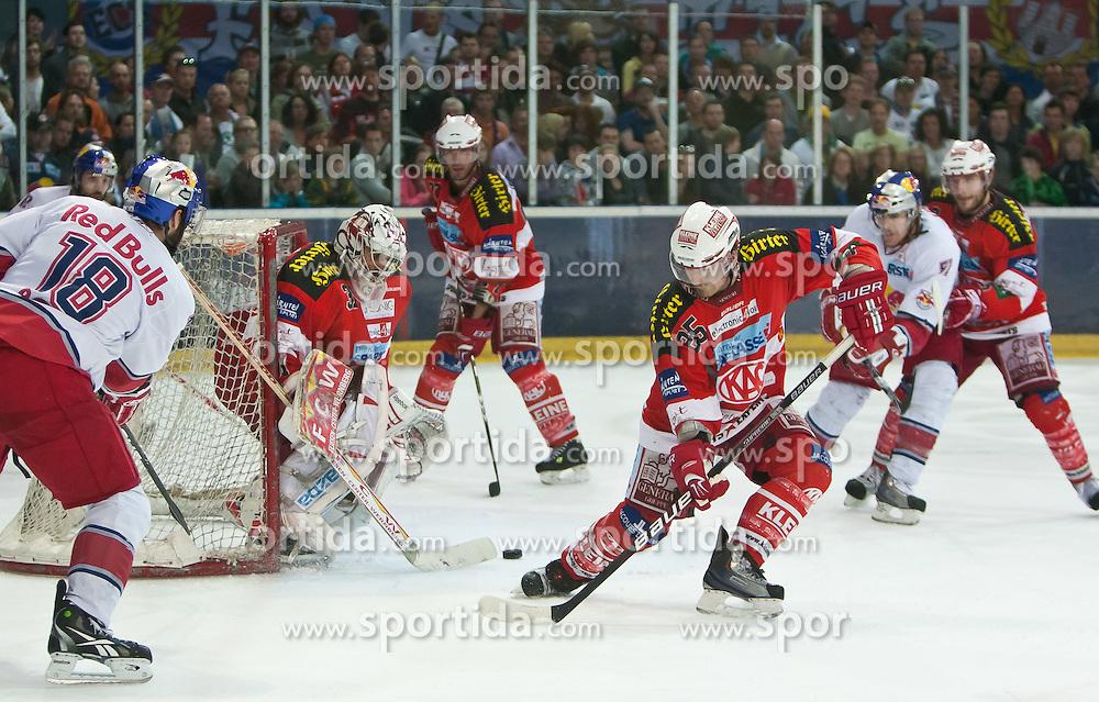 03.04.2011, Volksgarten Arena, Salzburg, AUT, EBEL, FINALE, EC RED BULL SALZBURG vs EC KAC, im Bild Daniel Bois, (EC RED BULL SALZBURG, #18), Andy Chiodo, (EC KAC, #31), Kirk Furey, (EC KAC, #25) // during the EBEL Eishockey Final, EC RED BULL SALZBURG vs EC KAC at the Volksgarten Arena, Salzburg, 04/03/2011, EXPA Pictures © 2011, PhotoCredit: EXPA/ J. Feichter