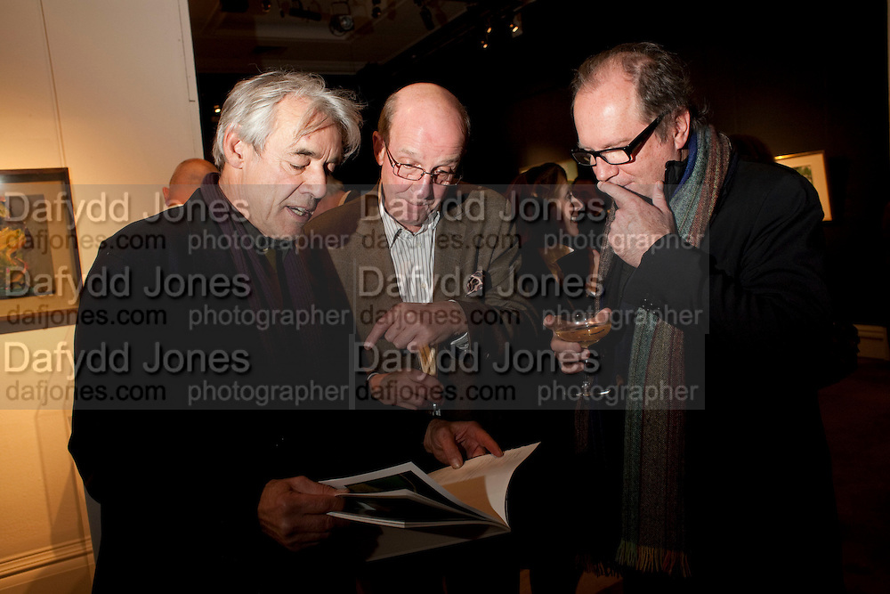 ROGER LLOYD-PACK; WILLIAM JACKSON; WILLIAM BOYD; , Preview of  Lord and Lady Attenborough art works  at SothebyÕs. Donation from the evening to be made to RADA. New Bond St. London. 9 November 2009<br /> ROGER LLOYD-PACK; WILLIAM JACKSON; WILLIAM BOYD; , Preview of  Lord and Lady Attenborough art works  at Sotheby's. Donation from the evening to be made to RADA. New Bond St. London. 9 November 2009