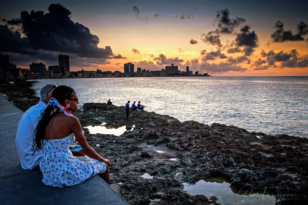 Romantic evening at the Malecón