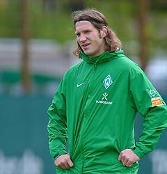11.05.2010, Platz 5, Bremen, GER, 1.FBL, Werder Bremen Training, im Bild  Torsten Frings ( Werder  #22 )   EXPA Pictures © 2010, PhotoCredit: EXPA/ nph/  Kokenge / SPORTIDA PHOTO AGENCY
