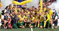 DEN HAAG - Vreugde bij Wereldkampioen Australie na de finale van de Rabobank Worldcup Hockey , tussen de mannen van Nederland en Australie. ANP KOEN SUYK