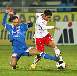 04.12.2011, Stadion, Wiener Neustadt, AUT, 1. FBL, SC Wiener Neustadt vs RB Salzburg, im Bild Michael Madl, (SC Magna Wiener Neustadt, #15) vs Gonzalo Zarate, (Red Bull Salzburg, #11) during the Austrian Bundesliga Match, SC Wiener Neustadt against RB Salzburg, Stadium, Wiener Neustadt near Vienna, Austria on 2011-12-04, EXPA Pictures © 2011, PhotoCredit: EXPA/ S. Woldron