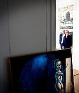 AMSTERDAM - Martijn en Jeanet Sanders bij de kunstwerken die naar het Stedelijk museum gaan . COPYRIGHT ROBIN UTRECHT