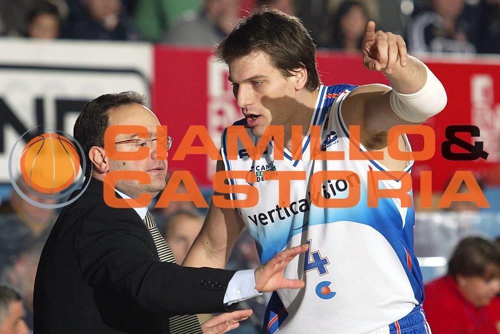 DESCRIZIONE : Cantu Lega A1 2005-06 Vertical Vision Cantu Whirlpool Varese<br />GIOCATORE : Sacripanti Jurak<br />SQUADRA : Vertical Vision Cantu<br />EVENTO : Campionato Lega A1 2005-2006<br />GARA : Vertical Vision Cantu Whirlpool Varese<br />DATA : 26/11/2005<br />CATEGORIA : <br />SPORT : Pallacanestro<br />AUTORE : Agenzia Ciamillo-Castoria/S.Ceretti